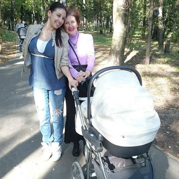 Татьяна Найник привыкает к роли мамы