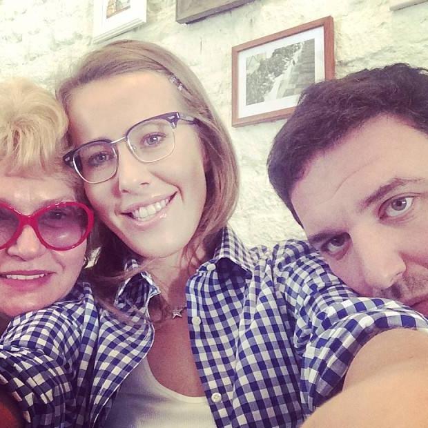 После рождения ребенка Ксения и Максим могут завести собаку, говорит Людмила Борисовна