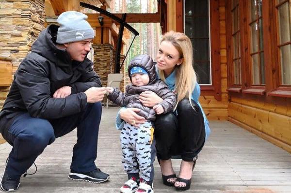 Милана Кержакова смогла увидеть сына