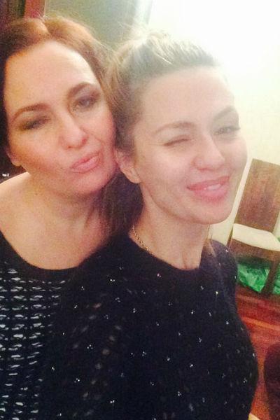 Узнав о пропаже сестры, Боня вылетела в Россию
