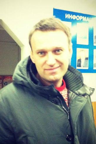 В ОВД «Текстильщики» троица встретила Алексея Навального
