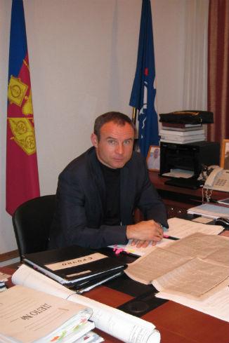 Глава администрации Крымского района Анатолий Разумеев