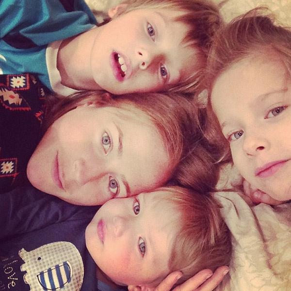 Юлия с детьми: Артемом, Яной и Арсением