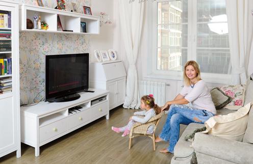 Анастасия Чеважевская впервые показала 2-летнюю дочь в эксклюзивной съемке «СтарХита»