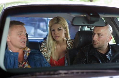 В сериале за советами к  героине Сидоренко часто  обращаются персонажи  Сычева и Нагиева