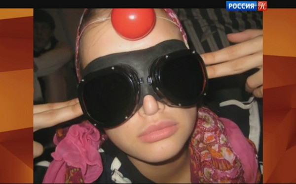 После того, как Андреева проучилась два года в СПбГУ, она переехала в Москву и стала студенткой Школы-студии МХАТ