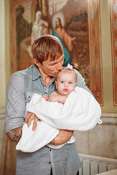 Малышка много улыбалась и ни разу не заплакала