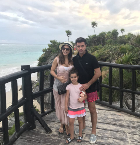 Ани с супругом Муратом и дочерью Софией