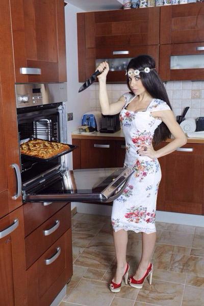 В редкие выходные Аня любит готовить