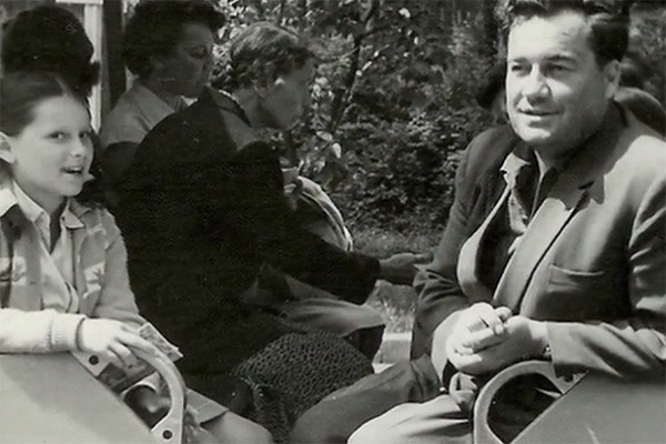 Эльдар Рязанов с дочерью, 60-е годы