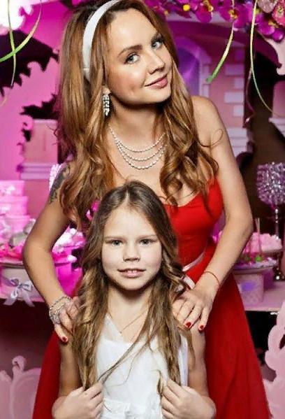 МакSим с дочерью Александрой
