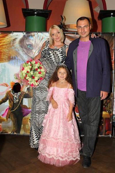 Анастасия Волочкова с дочерью Аришей и бывшим мужем Игорем Вдовиным