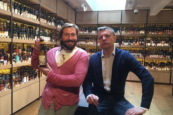 Леонид Парфенов в бутике Евгения Чичваркина в Лондоне