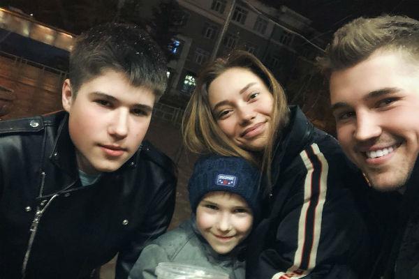 Евгения успела подружиться с братьями Гриценко