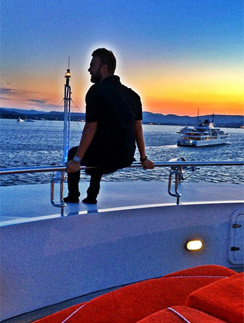 Максим Чернявский на яхте