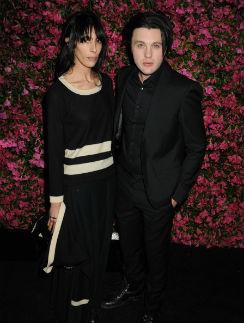 Майкл Питт с женой Джейми Бочерт