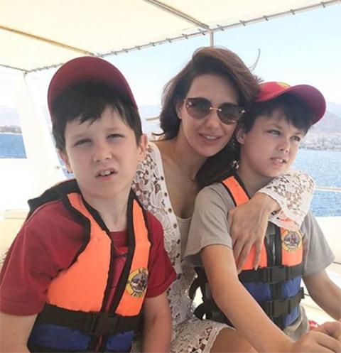 Екатерина Климова с сыновьями Корнеем и Матвеем