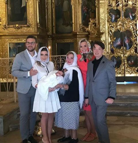 Мама Галины Марина Юдашкина также поделилась радостным событием в Сети