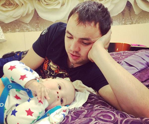 Александр Гобозов перед долгой разлукой с сыном