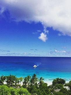 «Ближайшую неделю я в раю, просьба не беспокоить», - сообщила под фото с Сейшел Ксения Собчак