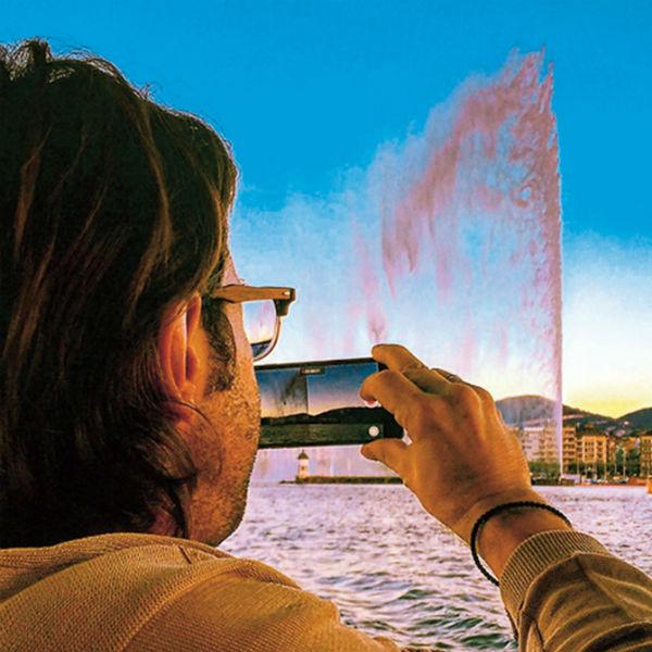 125-летний Женевский фонтан всегда разный