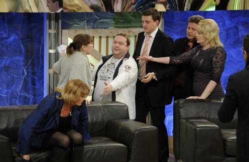 Александр Морозов (третий слева) пытался унять страсти