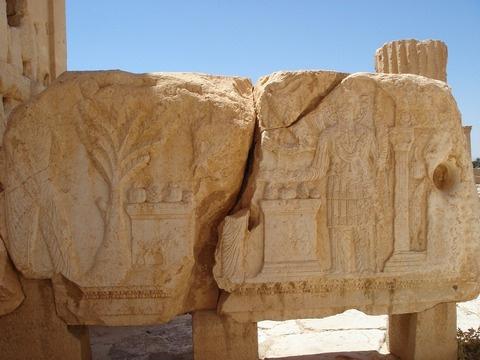 С апреля начнется работа по восстановлению памятников Пальмиры