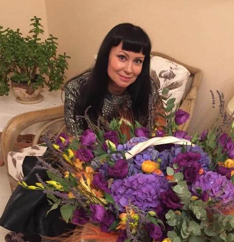 Заслуженная артистка РФ Нонна Гришаева