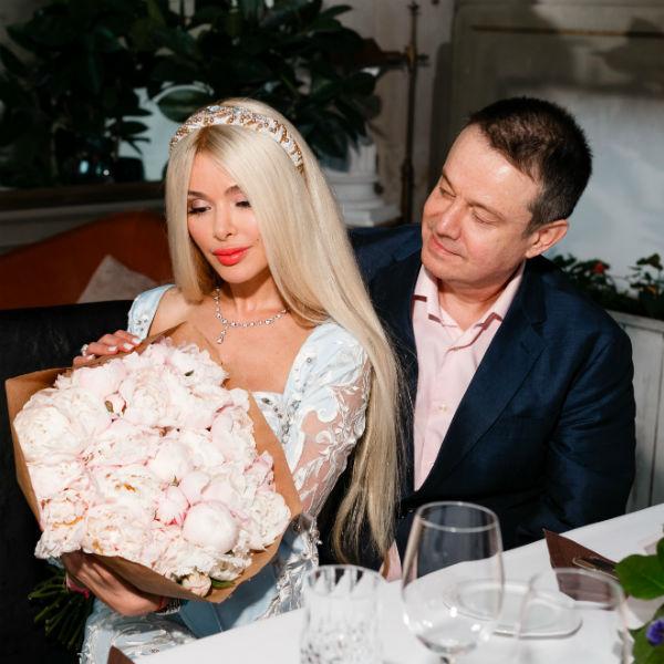 Певица смогла простить экс-супруга