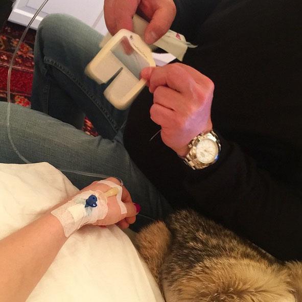 Лечением Анастасии занимается ее папа, врач по профессии