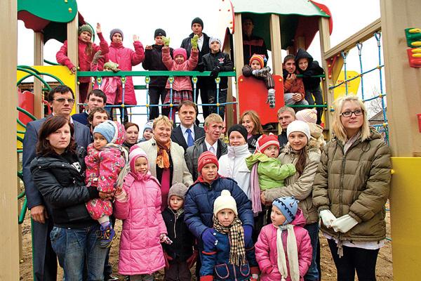 36 детей Натальи Саргановой обещали помогать маме в воспитании Матвея