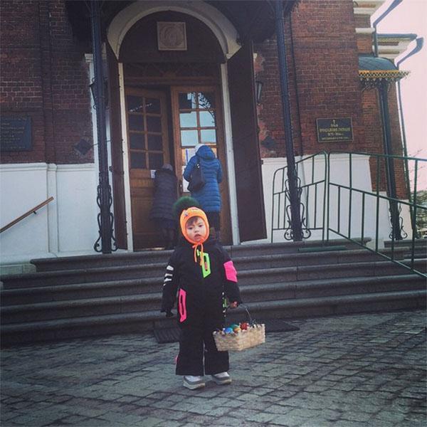 «Мне все объяснили, дальше я сам!» - подписала снимок за своего трехлетнего сынишку Семена Эвелина Бледанс