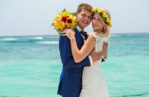 Александр и Ксения познакомились еще в 9-м классе, а поженились спустя шесть лет после окончания школы