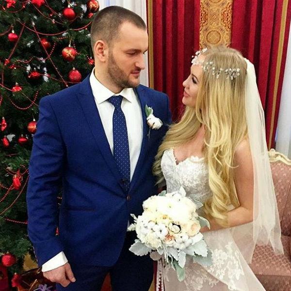 Юлия была очаровательной невестой