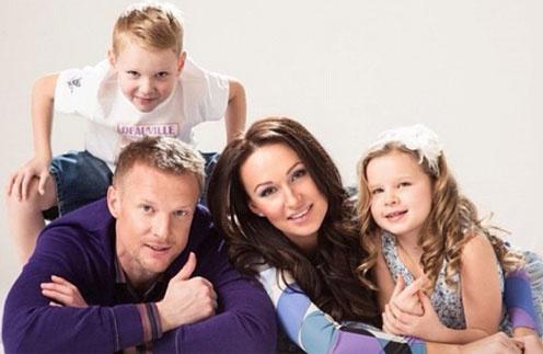 Вячеслав и Екатерина Малафеевы с детьми - Максимом и Ксенией