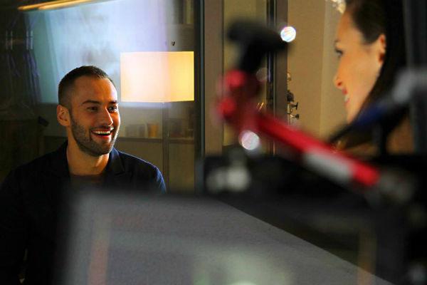 Дмитрий снимался в ролике с красивыми девушками