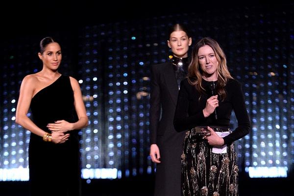 Меган Маркл вручила награду Клэр Уэйт Келлер