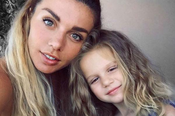 Маленькую Монику никак не коснулся развод родителей