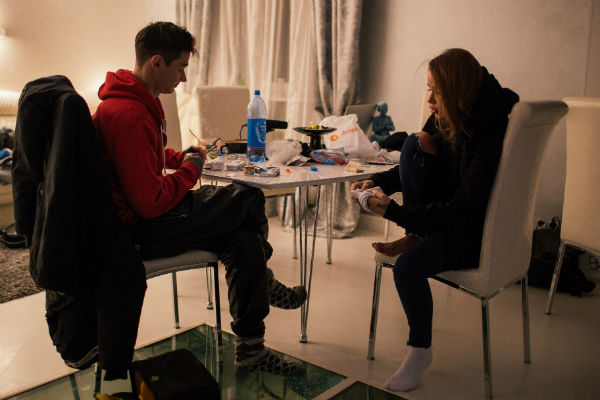 Снимать видео было решено в московской квартире Анохиной