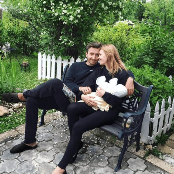 Елена и Станислав с дочерью Никой