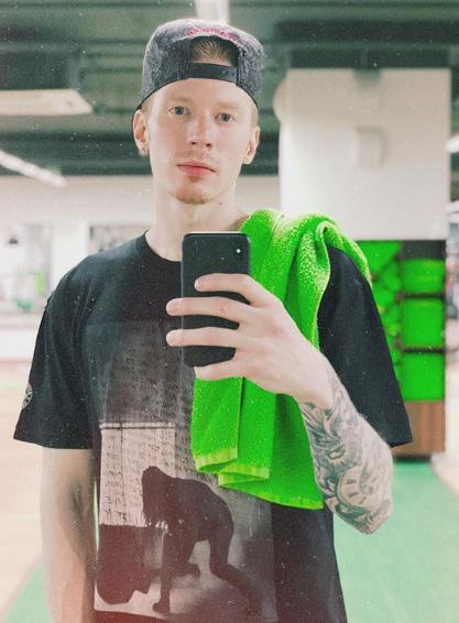 Никита Пресняков старается не зависеть от знаменитых родственников