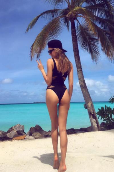 Ханна показала шикарную фигуру на Мальдивах
