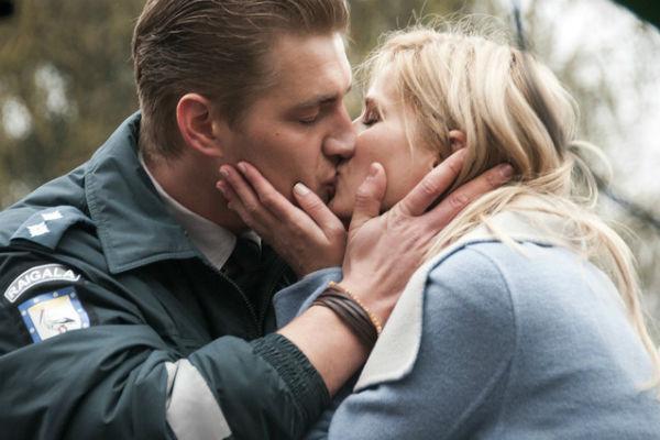 Эпизод с поцелуем получился очень страстным