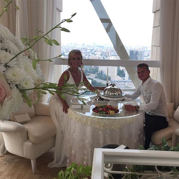 Дмитрий Тарасов снял для Ольги целый ресторан