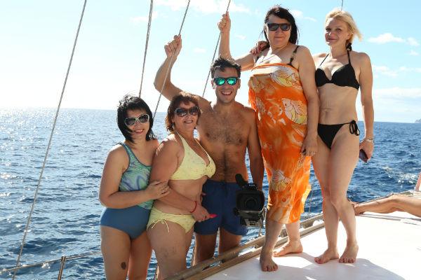 Прогулка на яхте и экскурсия по гротам