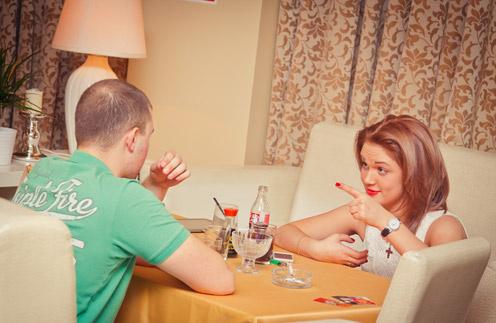 Наталья проводит с клиентами в кафе по несколько часов два-три раза в неделю