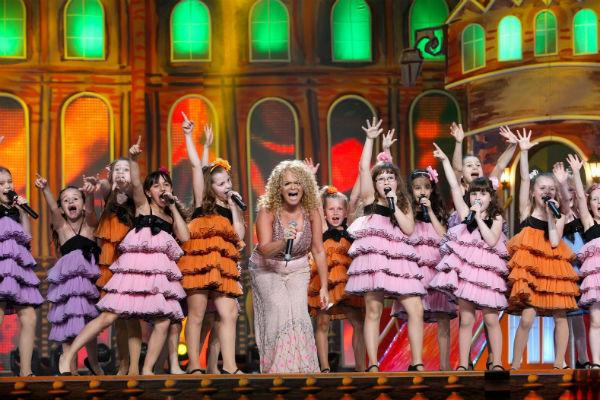 Участники коллектива выступали на одной сцене с Ларисой Долиной