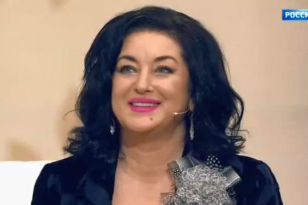 Тамара Михайловна исполняет песни на многих языках мира