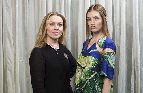 Ведущий стилист сети салонов красоты Aldo Coppola Яна Белая и модель