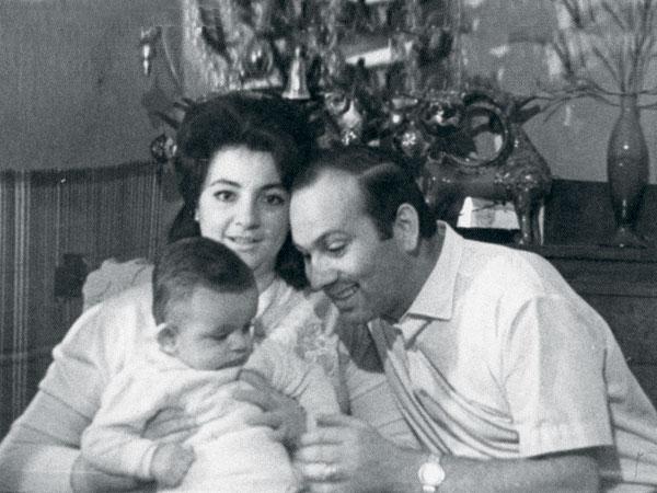 Для мамы Виктории и папы Бедроса Филипп всегда был центром Вселенной. Встреча Нового, 1968 года